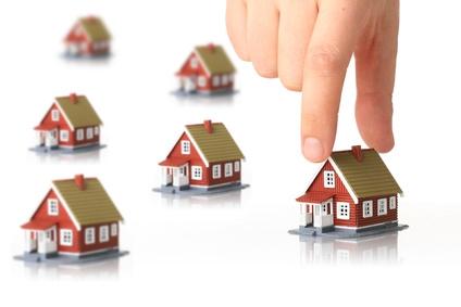 Jak bezpiecznie kupić nieruchomość? Z pośrednikiem czy bez?